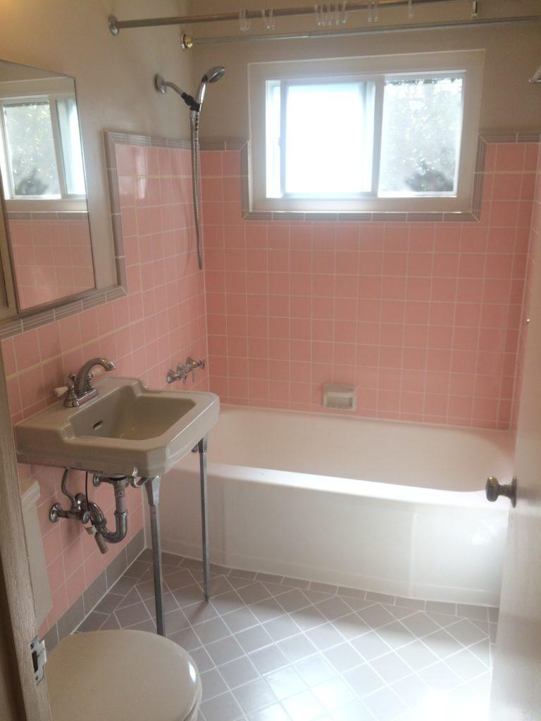 675-colorado-ave-bathroom