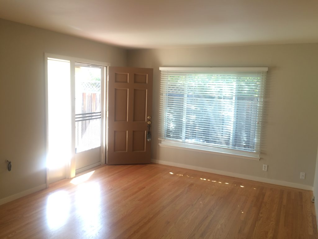 675-colorado-ave-living-room-pic-2